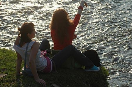 Fetele la lac